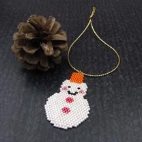 シェイプドステッチで作るクリスマスオーナメント(雪だるま)