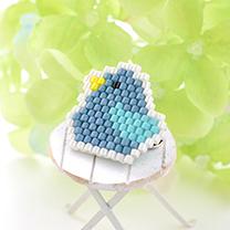 シェイプドステッチで作る小鳥ブローチ